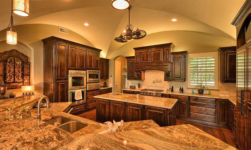 Mike Blake Custom Homes Won Best Kitchen Award